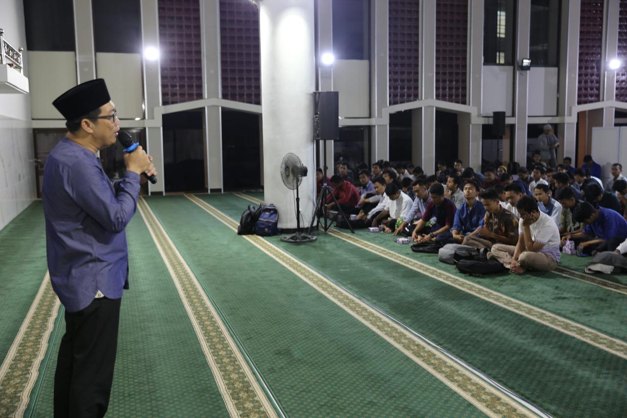 Membangun Generasi Milenial Yang Qur'ani Dan Berahlakul Karimah