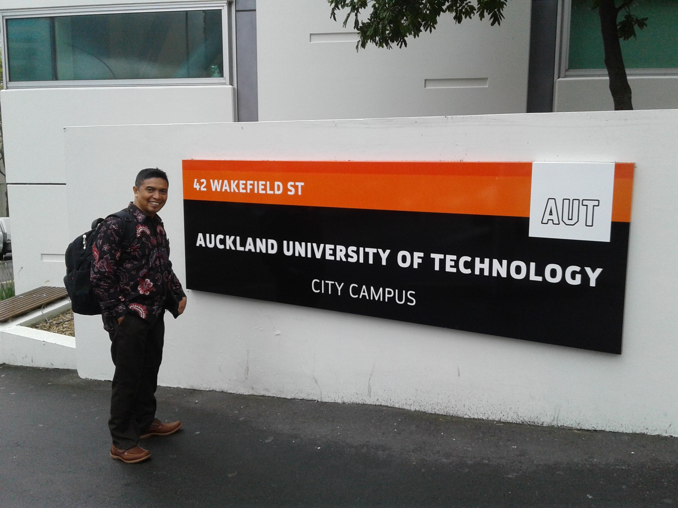 Enhanching International Publication Program-Sandwich-like 2019:  Dosen UTY Berguru ke New Zealand