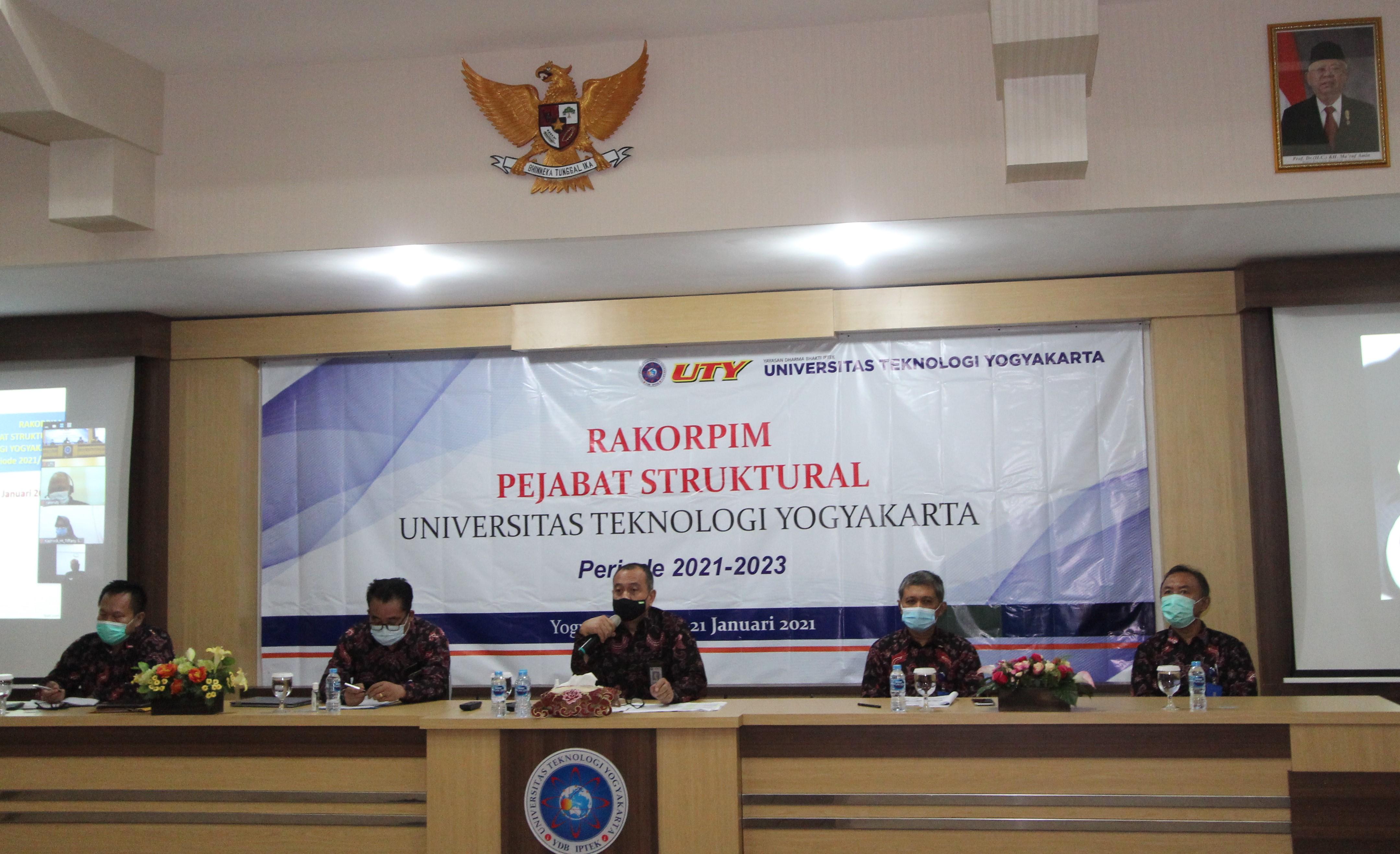 Dalam Rangka Penyamaan Persepsi dan Tindakan untuk Memajukan UTY, Rektorat Selenggarakan Rapat Koordinasi Pimpinan