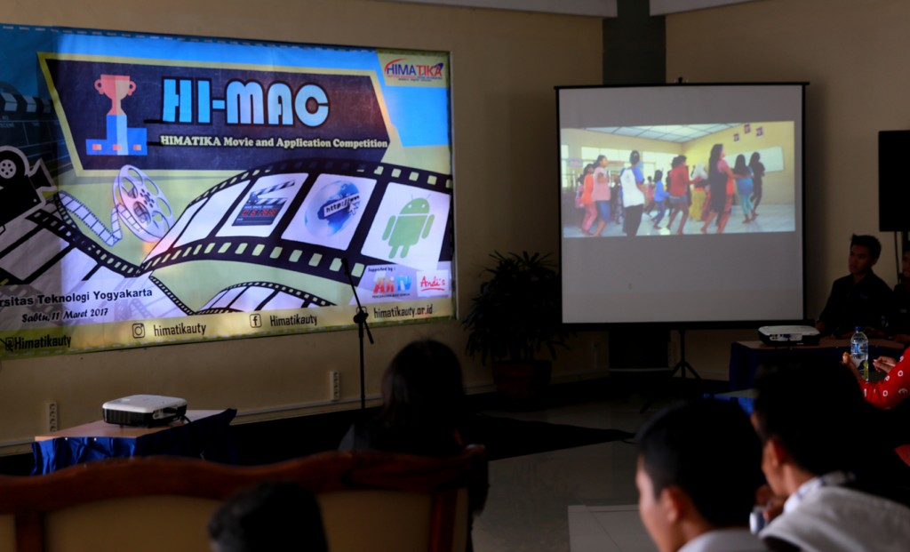 hi-mac-gugah-kreatifitas-memadukan-teknologi-dan-seni